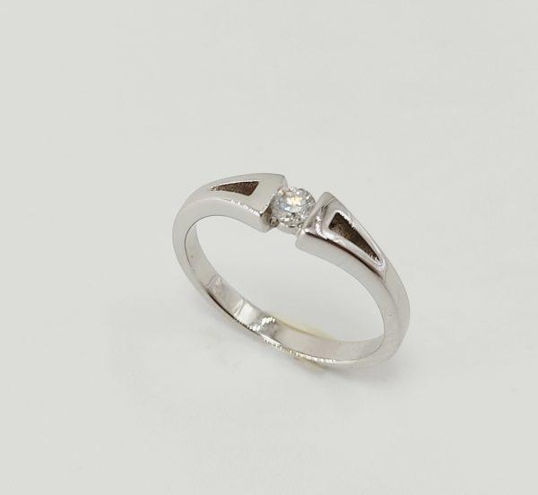 Anillo Oro Blanco Triangulos y diamante