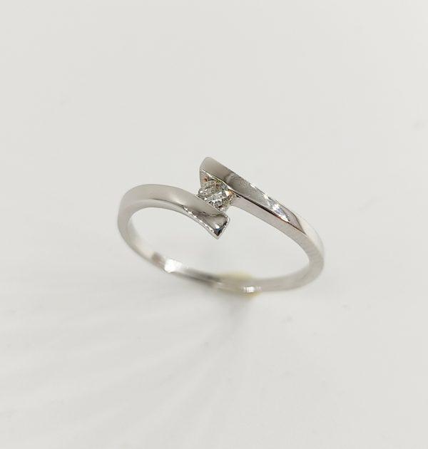Anillo de Compromiso Oro Blanco y Diamante lazo