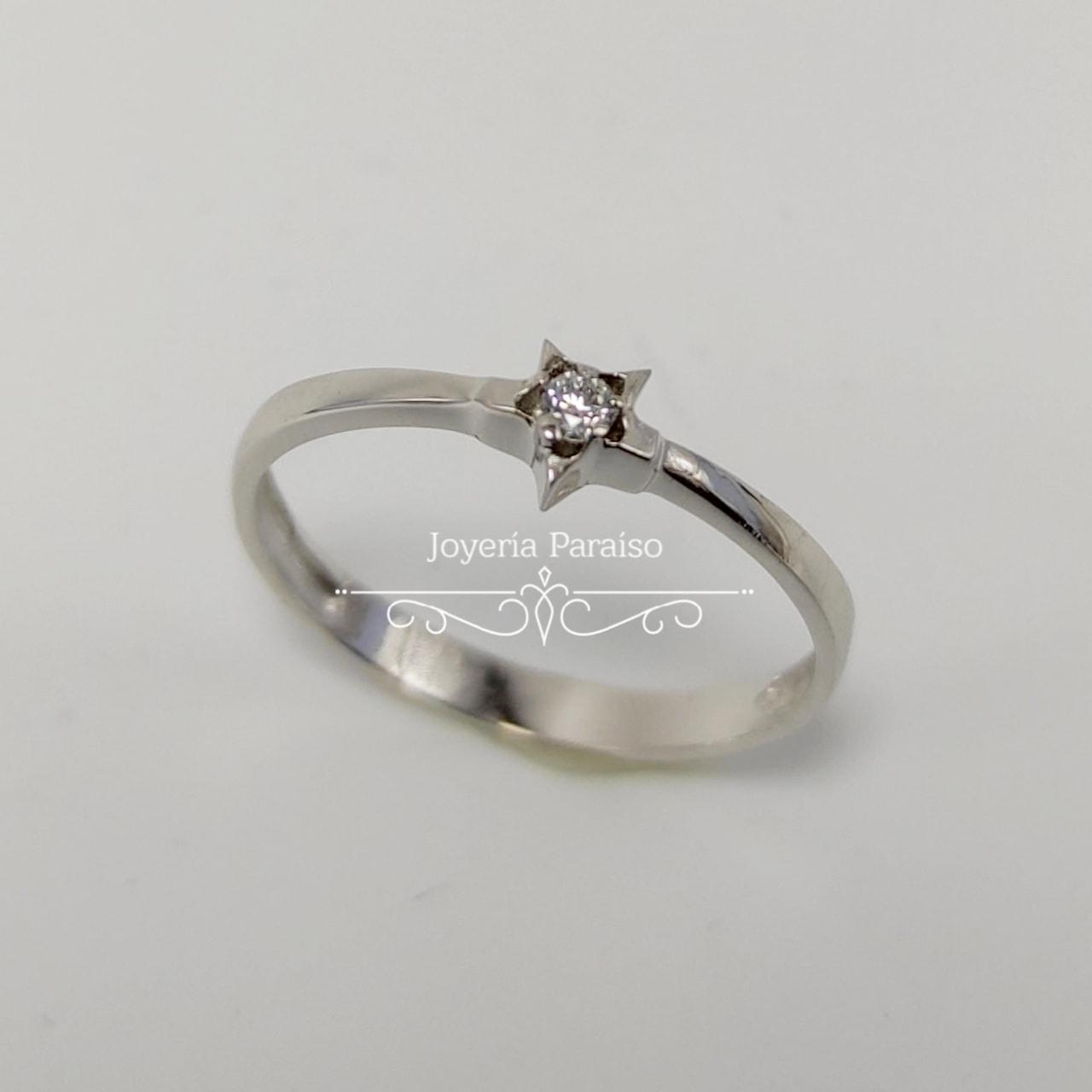 Anillo Compromiso Oro Blanco y Diamante con forma de Estrella