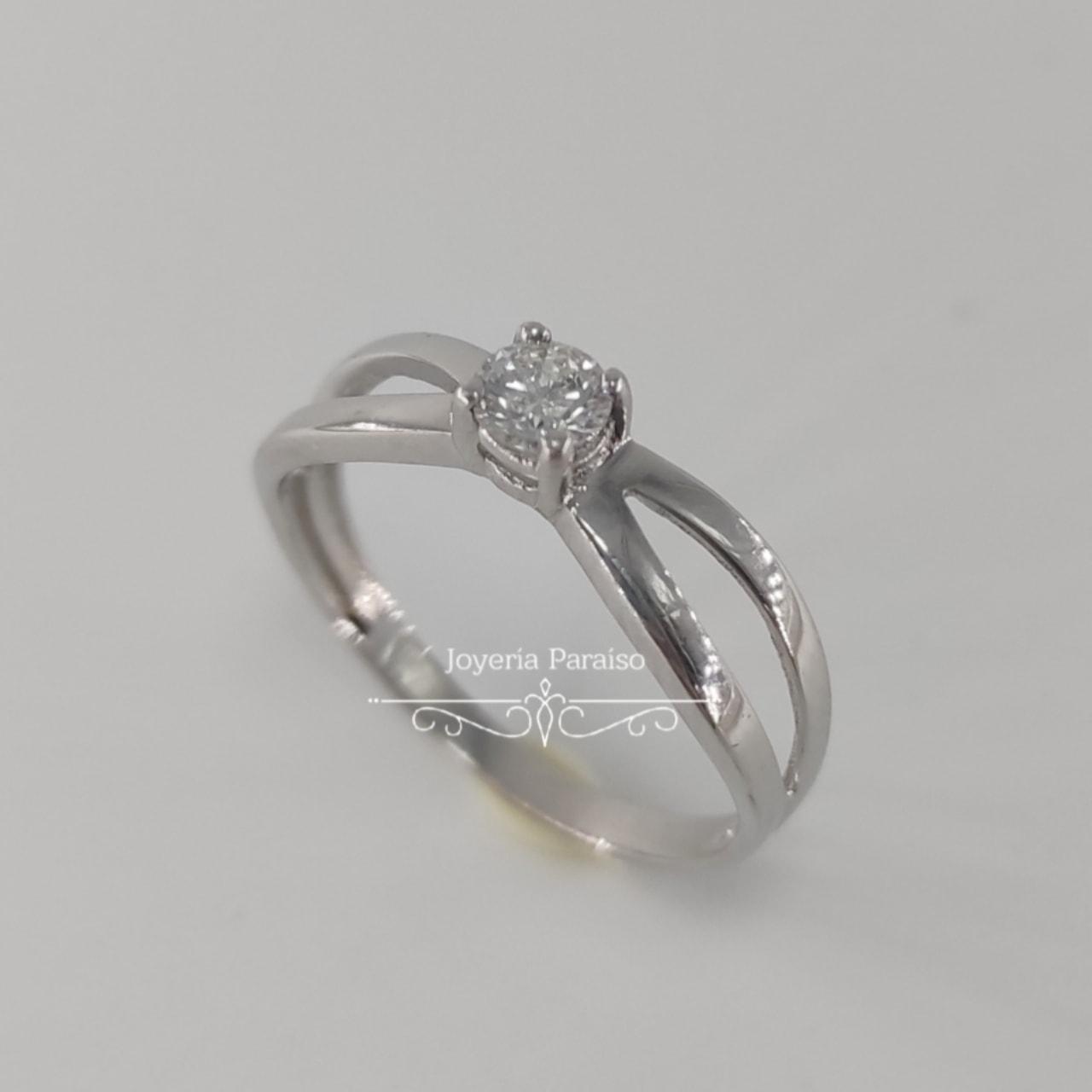 Anillo Compromiso Oro Blanco y Diamante Diseño Lazo